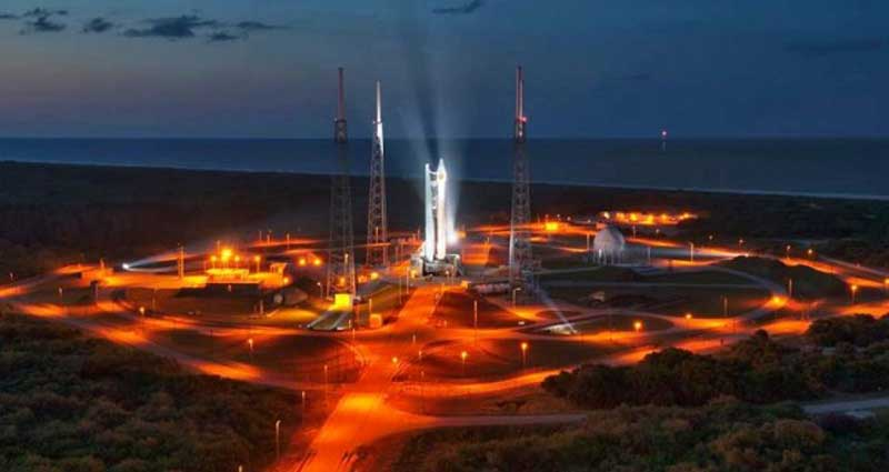 Rocket On Pad 800x425